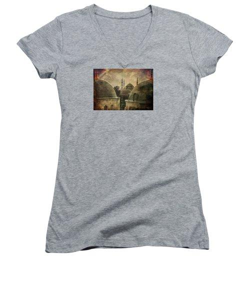 Istambul Mood Women's V-Neck T-Shirt (Junior Cut) by Vittorio Chiampan