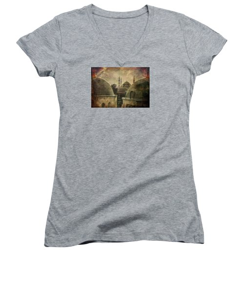 Istambul Mood Women's V-Neck T-Shirt