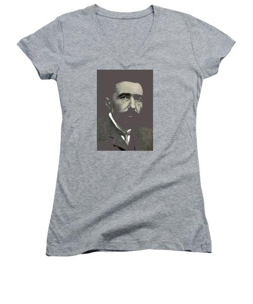 Joseph Conrad George Charles Beresford Photo 1904-2015 Women's V-Neck T-Shirt (Junior Cut) by David Lee Guss