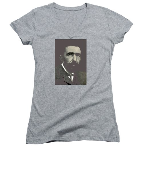 Joseph Conrad George Charles Beresford Photo 1904-2015 Women's V-Neck T-Shirt