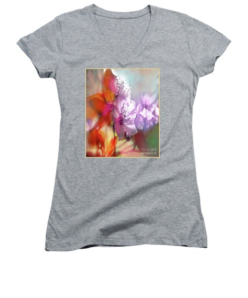 Juego Floral Women's V-Neck T-Shirt