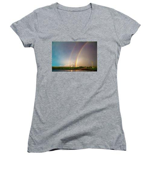 Kansas Storm Chase Bust Day 007 Women's V-Neck T-Shirt