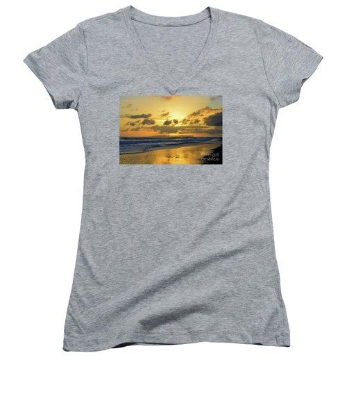 Kauai Sunset With Niihau On The Horizon Women's V-Neck T-Shirt