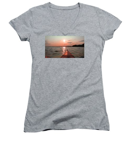 Kayak Sunset Women's V-Neck T-Shirt