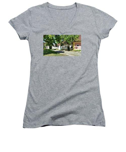 Kellergasse Women's V-Neck T-Shirt