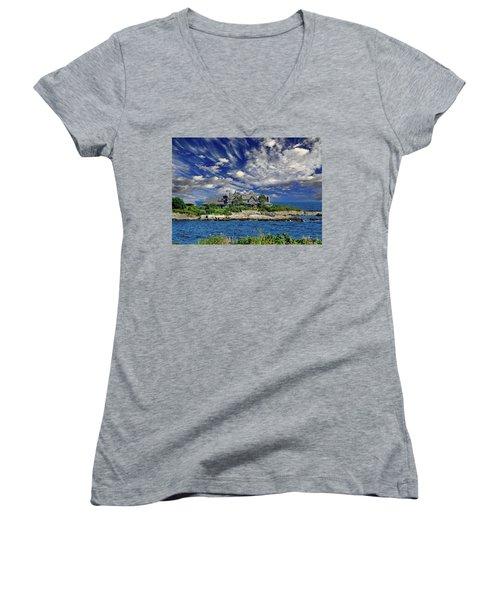 Kennebunkport, Maine - Walker's Point Women's V-Neck T-Shirt (Junior Cut)