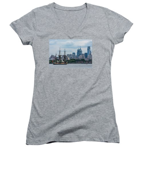 L Hermione Philadelphia Skyline Women's V-Neck