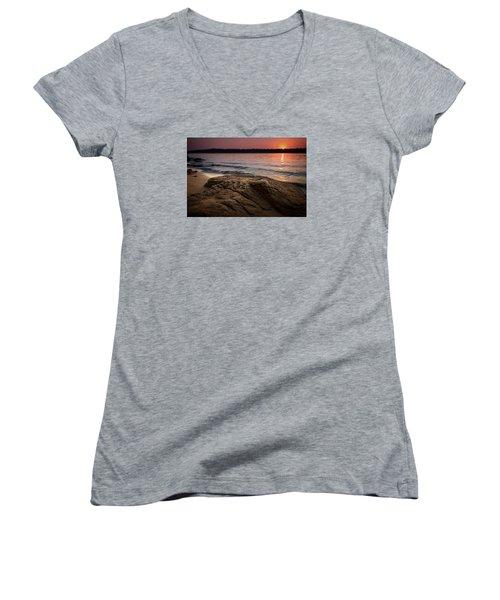 Lake Sunset Vi Women's V-Neck T-Shirt (Junior Cut)