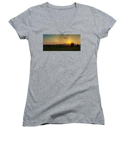 Lancaster Farm Sunset Panorama Women's V-Neck T-Shirt