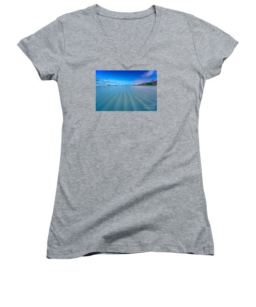 Lanikai Beach Ripples In The Sand Wide Women's V-Neck T-Shirt