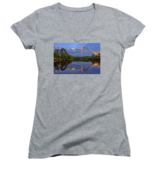 Light Beam Sunset Over Hidden Lake In Jupiter Florida Women's V-Neck