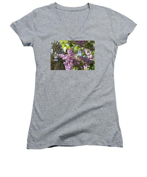 Lilacs 5545 Women's V-Neck