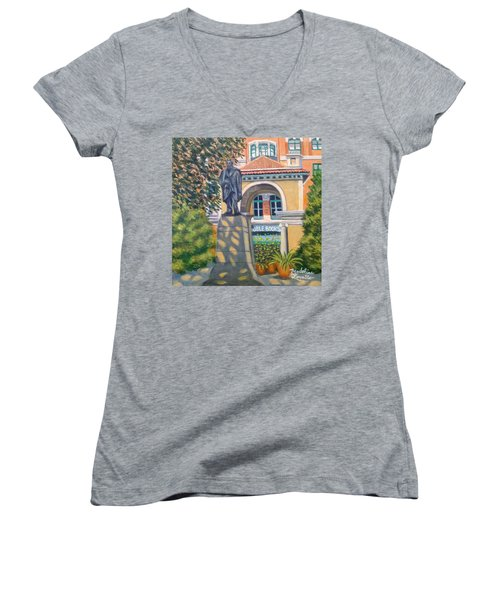 Lincoln At Union Square, N.y. Women's V-Neck T-Shirt (Junior Cut)