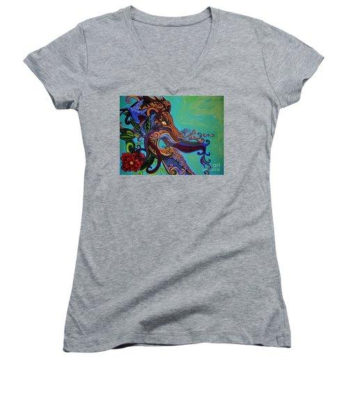 Lion Gargoyle Women's V-Neck T-Shirt