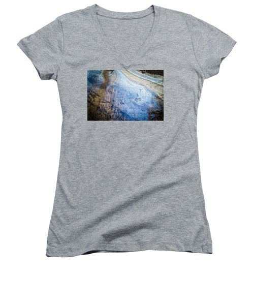 Liquid Oil On Water With Marble Wash Effects Women's V-Neck