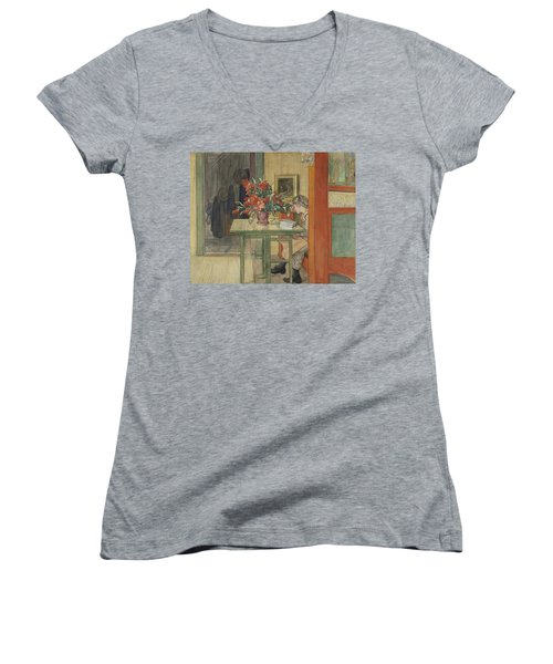 Lisbeth Reading Women's V-Neck