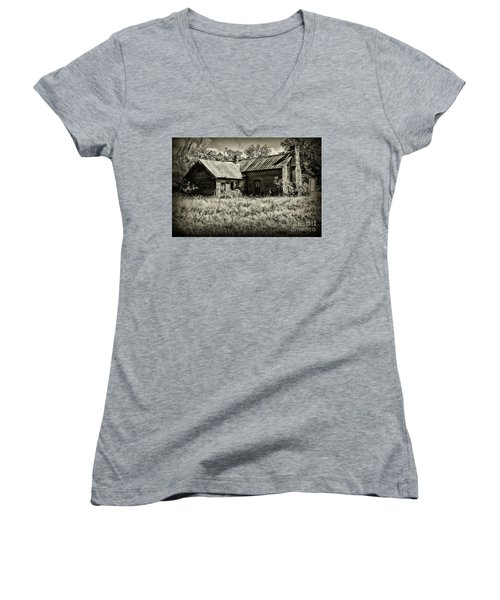 Little Red Farmhouse In Black And White Women's V-Neck T-Shirt (Junior Cut) by Paul Ward