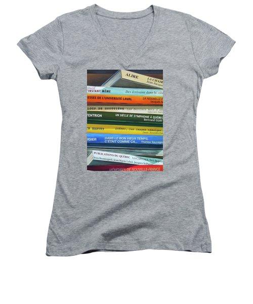 Livres ... Women's V-Neck