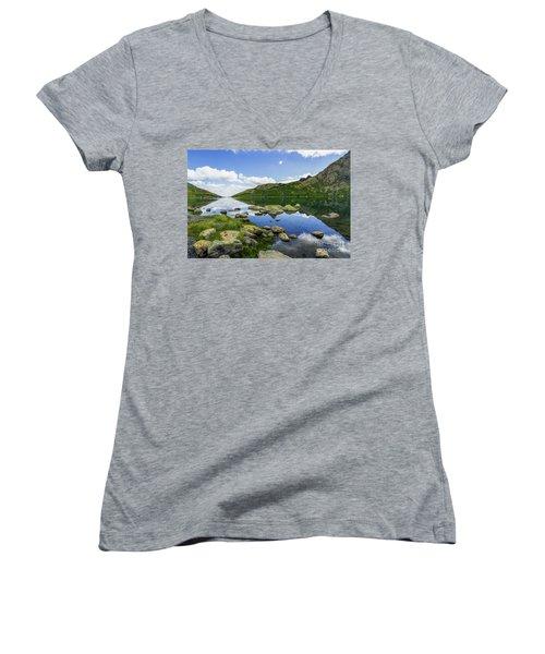 Llyn Lydaw Women's V-Neck T-Shirt