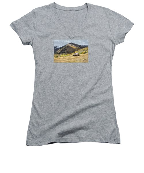 Log Barn In The Mountains Women's V-Neck (Athletic Fit)