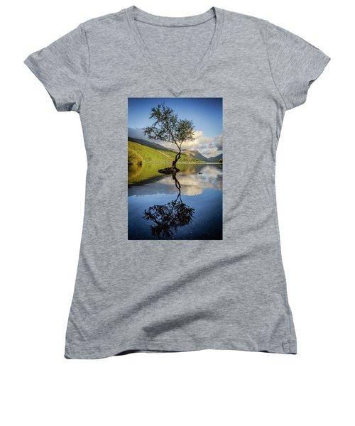 Lone Tree, Llyn Padarn Women's V-Neck
