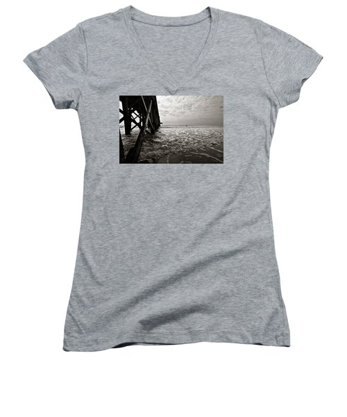 Long To Surf Women's V-Neck T-Shirt