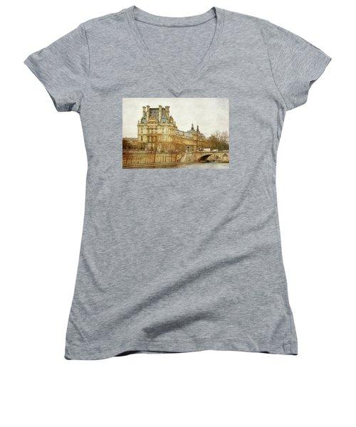 Louvre Museum Women's V-Neck T-Shirt