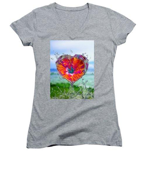 Love Makes A Splash Women's V-Neck T-Shirt