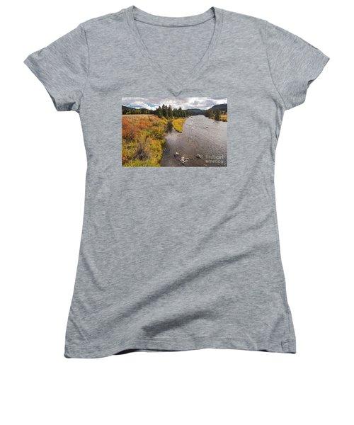 Madison River Women's V-Neck T-Shirt