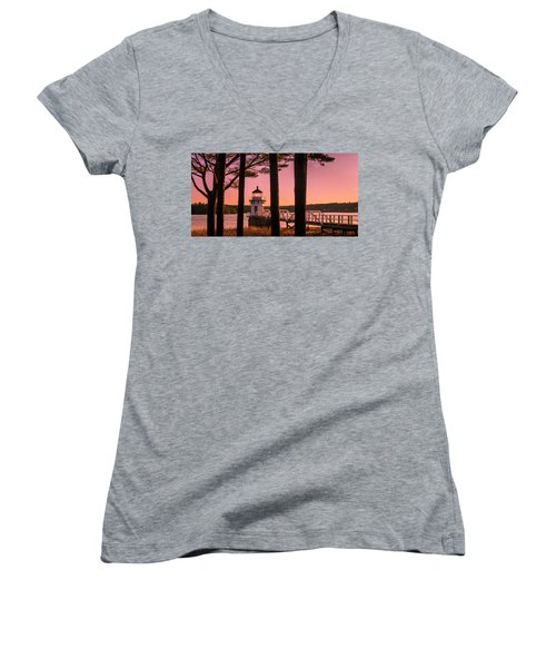 Maine Doubling Point Lighthouse At Sunset Panorama Women's V-Neck