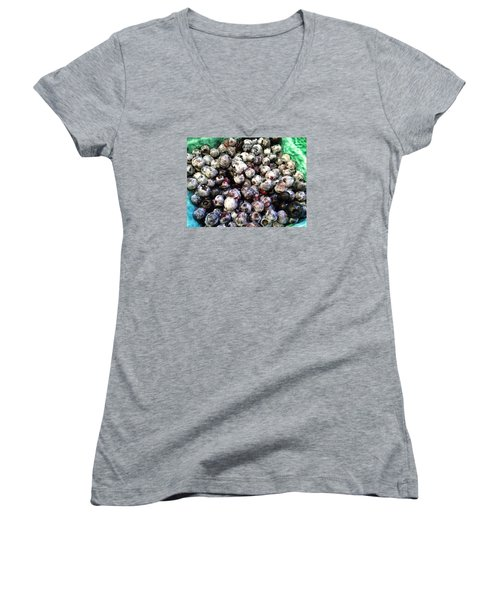 Maine Pearls Women's V-Neck T-Shirt