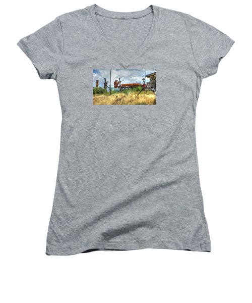 Make Love Not War I Women's V-Neck T-Shirt
