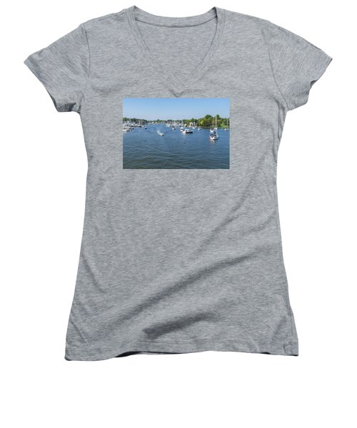 Women's V-Neck T-Shirt featuring the photograph Making Way by Charles Kraus
