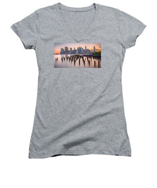 Manhattan Dusk Women's V-Neck T-Shirt