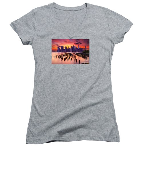 Manhattan Sunset Women's V-Neck T-Shirt