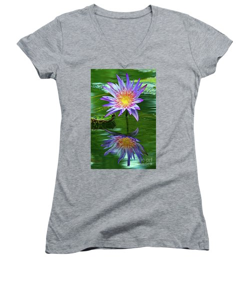 Mckee Water Lily Women's V-Neck T-Shirt (Junior Cut) by Larry Nieland