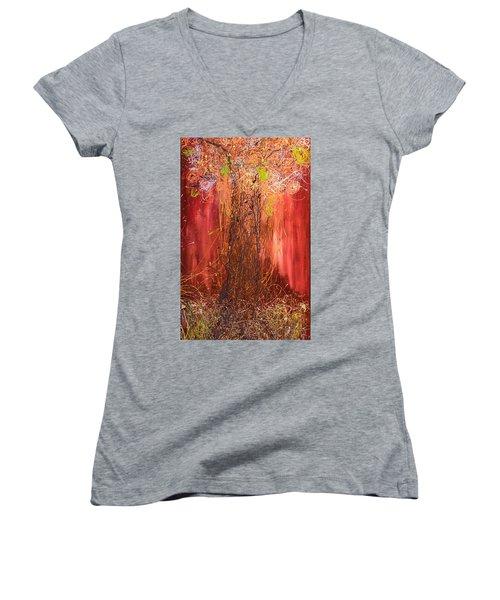 Me Tree Women's V-Neck T-Shirt