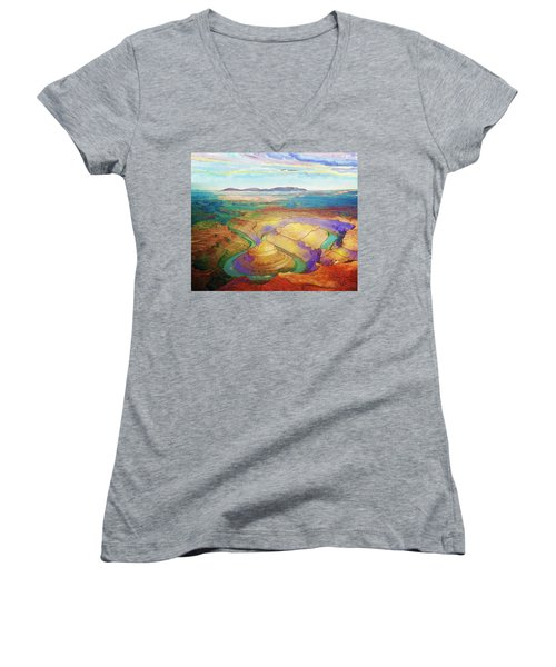 Meander Canyon Women's V-Neck T-Shirt (Junior Cut)