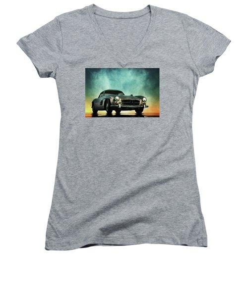 Mercedes 300sl Women's V-Neck T-Shirt