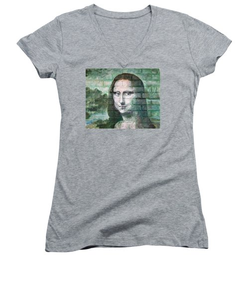 Mona Lisa  Women's V-Neck (Athletic Fit)