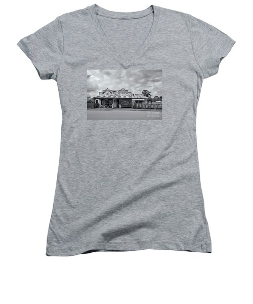 Women's V-Neck T-Shirt featuring the photograph Monegeetta General Store by Linda Lees