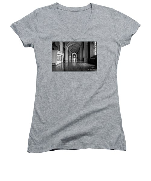 Mono Melleray Corridor Women's V-Neck T-Shirt