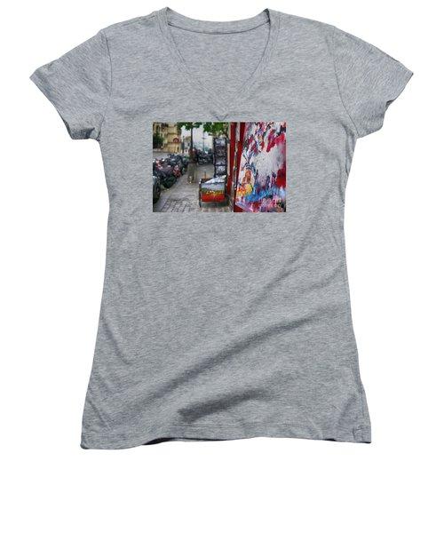 Montmartre Women's V-Neck T-Shirt
