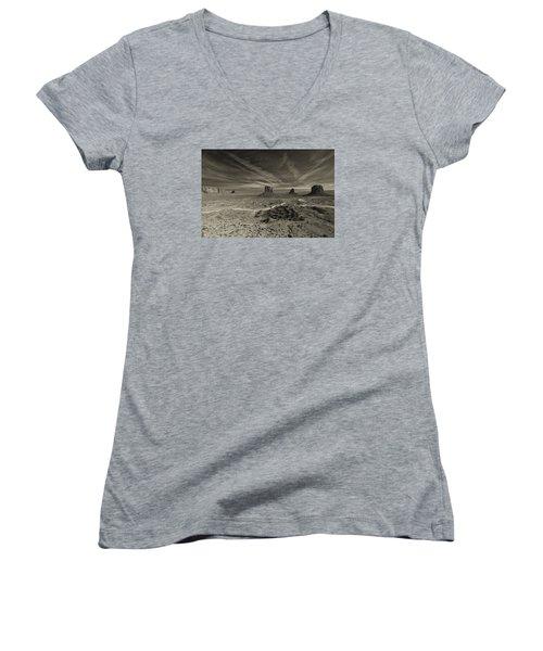 Monument Valley 2 Women's V-Neck