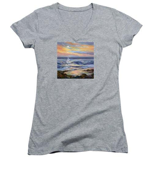 Moonrise At Cabrillo Beach Women's V-Neck T-Shirt (Junior Cut) by Jane Thorpe