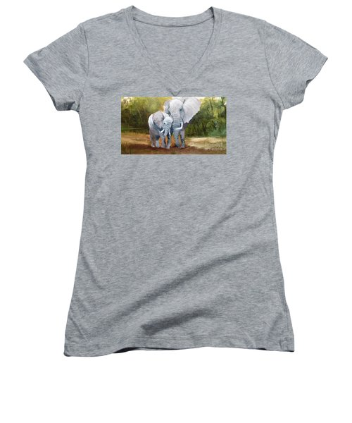 Mother Love Elephants Women's V-Neck T-Shirt (Junior Cut)