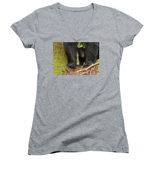 Mothers Day Bear Card Women's V-Neck (Athletic Fit)