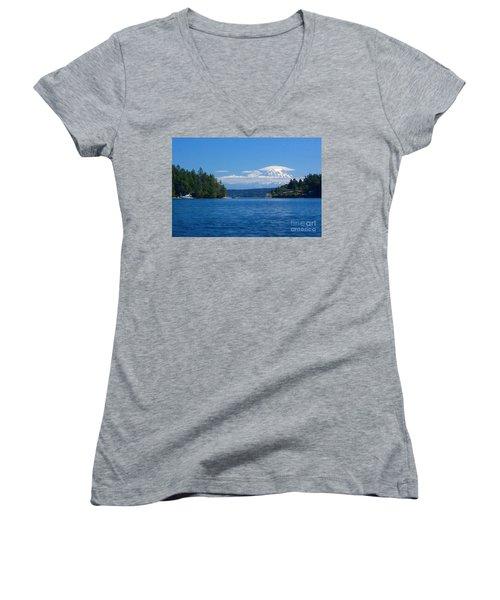 Mount Rainier Lenticular Women's V-Neck T-Shirt (Junior Cut)