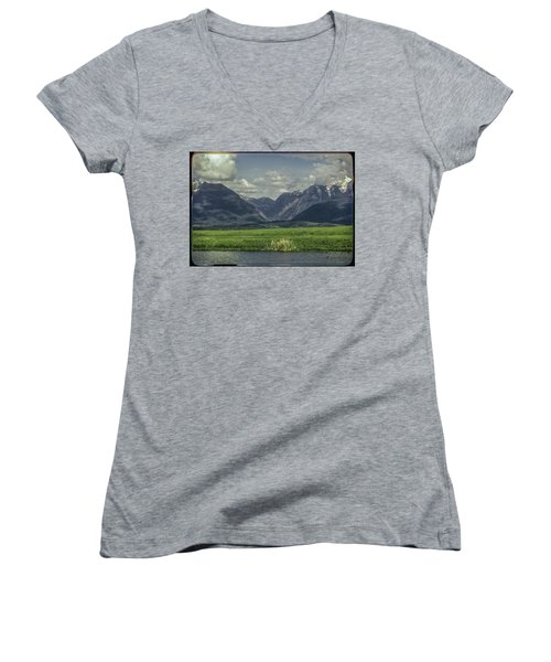 Mountain View Montana.... Women's V-Neck