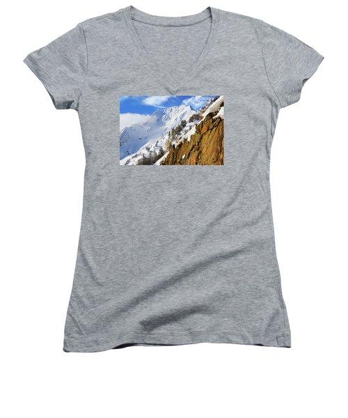 Mt Superior Women's V-Neck
